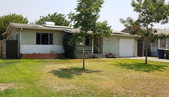 748 N F Street, Tulare, CA 93274 (#140243) :: Robyn Graham & Associates