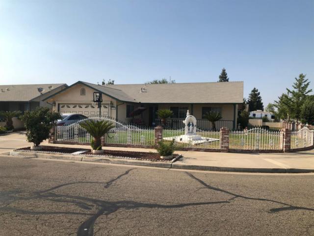 1102 Santa Cruz Avenue, Tulare, CA 93274 (#140266) :: Robyn Graham & Associates