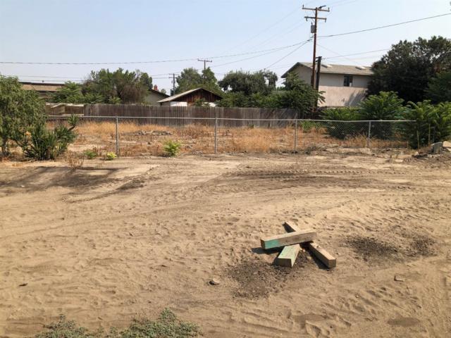 428 W San Joaquin Avenue, Tulare, CA 93274 (#140341) :: Robyn Graham & Associates