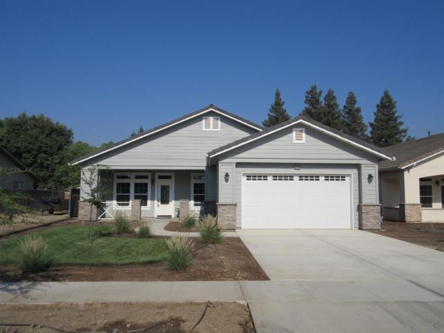 2278 N Oaks Street, Tulare, CA 93274 (#140347) :: Robyn Graham & Associates