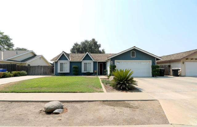 777 Elderwood Lane, Lemoore, CA 93245 (#140365) :: Robyn Graham & Associates