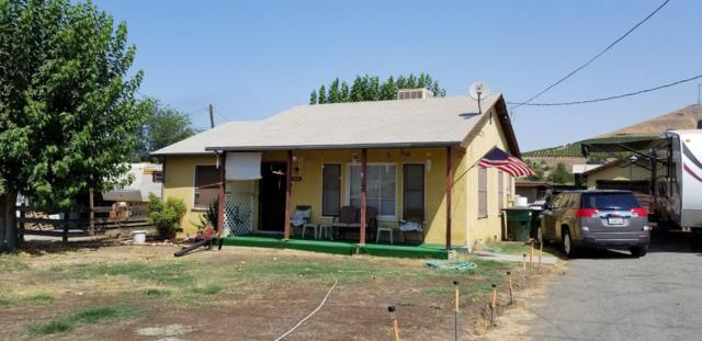 1548 E Olive Avenue, Porterville, CA 93257 (#140442) :: Robyn Graham & Associates