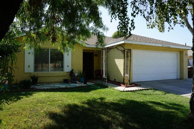 1039 La Dawna Street, Tulare, CA 93274 (#140511) :: Robyn Graham & Associates