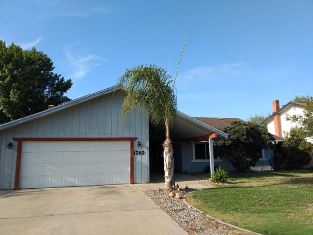 1253 Cedar Ln Lane, Lemoore, CA 93245 (#140544) :: Robyn Graham & Associates