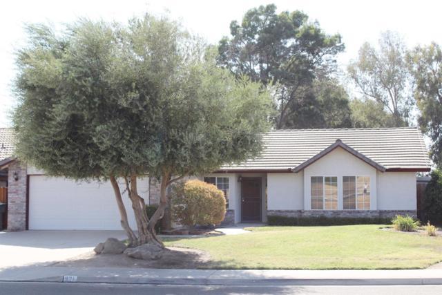 921 N Manzanita Street, Visalia, CA 93292 (#140562) :: Robyn Graham & Associates