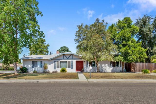 902 W Dorothea Avenue, Visalia, CA 93277 (#140819) :: The Jillian Bos Team