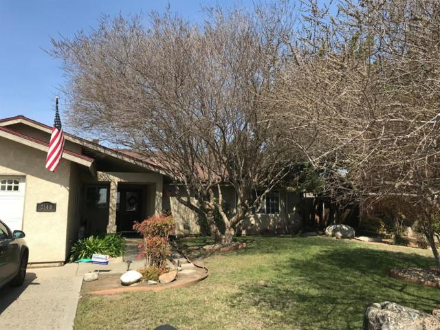 2140 W Owens Avenue, Tulare, CA 93274 (#141135) :: The Jillian Bos Team
