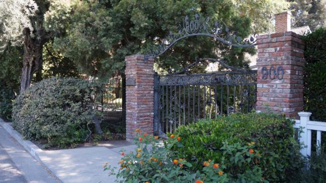 900 S Giddings Street, Visalia, CA 93277 (#141337) :: The Jillian Bos Team