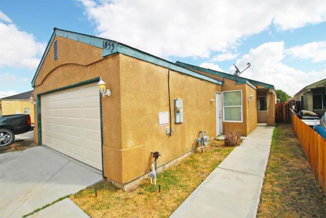 1853 Josephine Avenue, Corcoran, CA 93212 (#141814) :: Robyn Graham & Associates