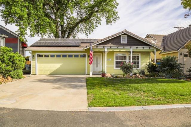 807 S Pinkham Street, Visalia, CA 93292 (#141840) :: The Jillian Bos Team