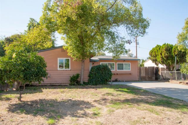 1427 N Elm Street, Visalia, CA 93291 (#141876) :: Robyn Graham & Associates