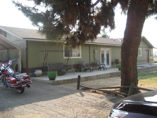 21980 254 Road, Lindsay, CA 93247 (#142586) :: Robyn Graham & Associates
