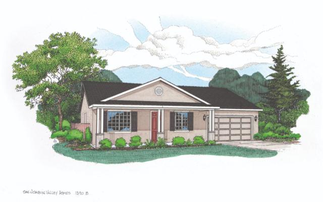 1736-SAV 182 Madalyn Avenue, Tulare, CA 93274 (#142652) :: Robyn Graham & Associates