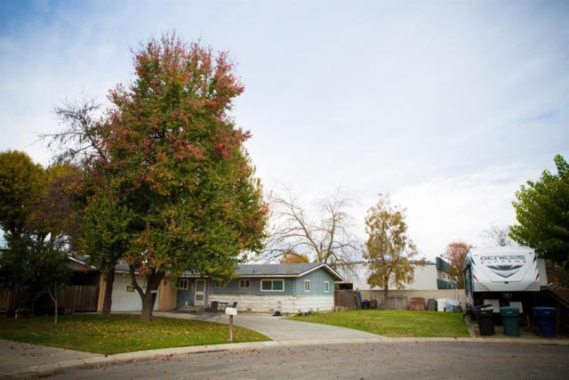 2320 E Sunset Avenue, Tulare, CA 93274 (#142763) :: Robyn Graham & Associates