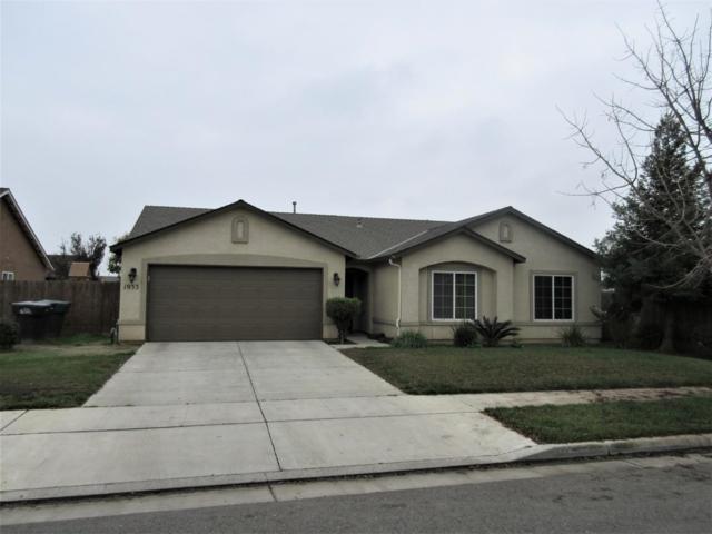 1933 Amarone Avenue, Tulare, CA 93274 (#142976) :: Robyn Graham & Associates