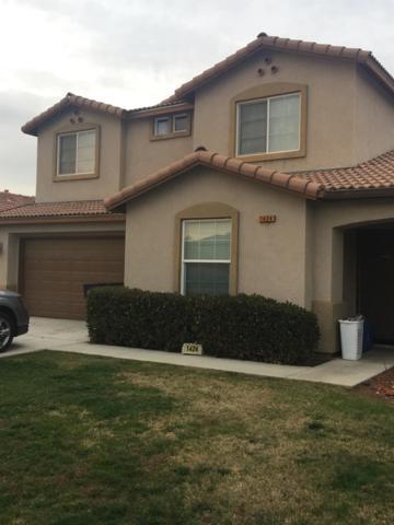 1424 Castoro Way Way, Hanford, CA 93230 (#143077) :: Robyn Graham & Associates