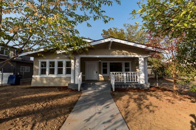 621 E Mildreda Avenue, Fresno, CA 93701 (#143082) :: Robyn Graham & Associates
