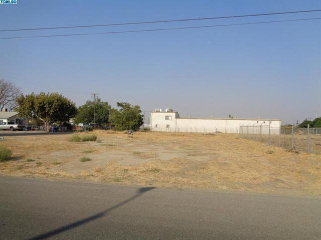 580 E Walnut Avenue, Tulare, CA 93274 (#143732) :: Robyn Graham & Associates