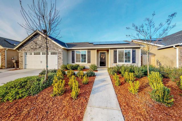 2432 Seaside Avenue, Tulare, CA 93274 (#143775) :: Robyn Graham & Associates