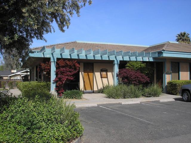 2340 W Whitendale Avenue, Visalia, CA 93277 (#143949) :: Robyn Graham & Associates