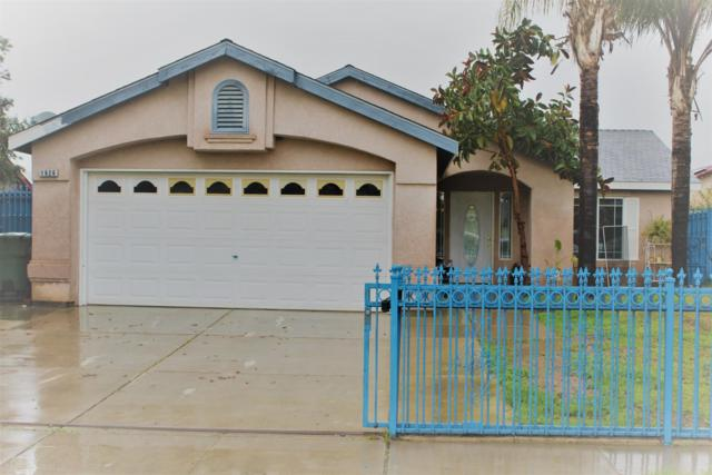 1626 Souza Street, Orange Cove, CA  (#144024) :: The Jillian Bos Team