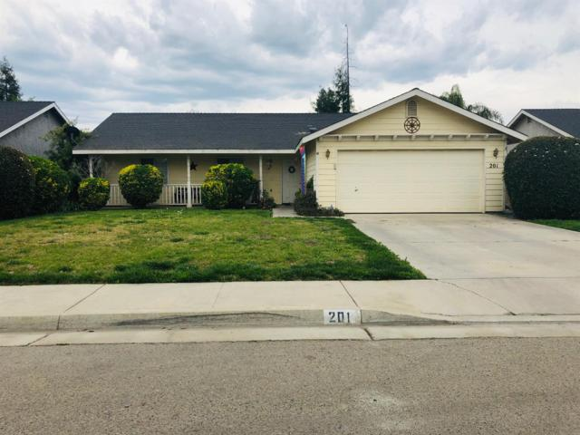 201 W Loyola Avenue, Visalia, CA 93277 (#145045) :: The Jillian Bos Team