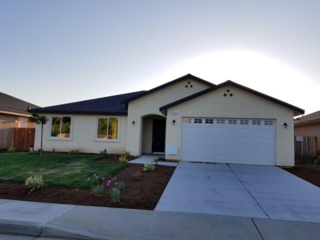 1823 S Greene Avenue, Dinuba, CA 93618 (#145750) :: The Jillian Bos Team