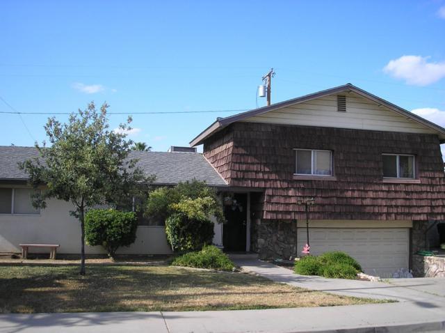 700 Mccomb Avenue, Porterville, CA 93257 (#146137) :: Robyn Icenhower & Associates