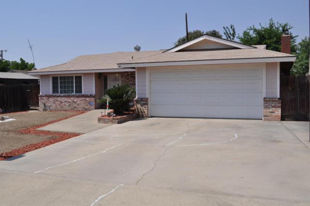 828 W La Vida Avenue, Porterville, CA 93257 (#146388) :: The Jillian Bos Team