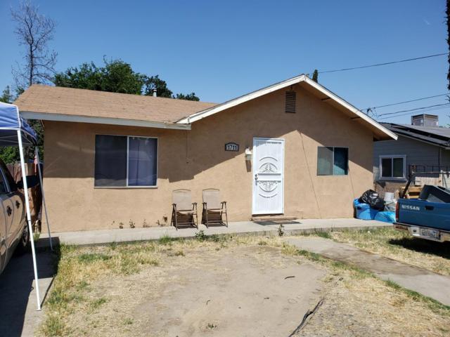 1711 N Bridge Street, Visalia, CA 93291 (#147136) :: The Jillian Bos Team