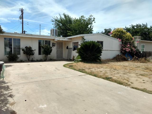 1621 N Elm Street, Visalia, CA 93291 (#147369) :: The Jillian Bos Team