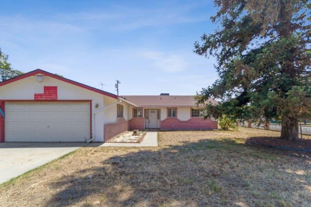 11667 Carleton Avenue, Tulare, CA 93274 (#147655) :: The Jillian Bos Team