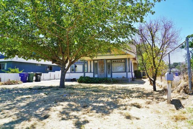 239 Braden Avenue, Hanford, CA 93230 (#147907) :: Robyn Icenhower & Associates