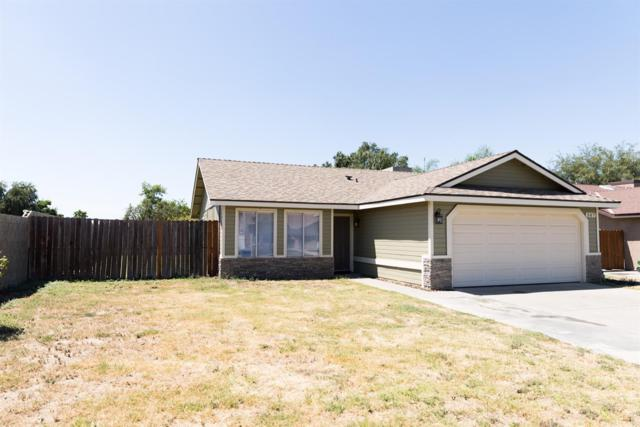 507 W Petunia Street, Farmersville, CA 93223 (#147930) :: The Jillian Bos Team