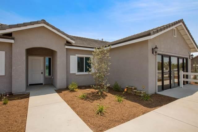 2424 Solano Avenue, Tulare, CA 93274 (#148375) :: Robyn Icenhower & Associates