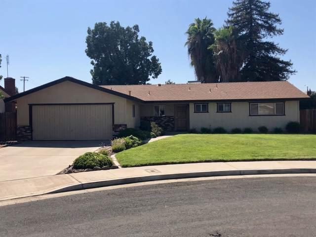 1035 N Wilson Place, Porterville, CA 93257 (#148442) :: Robyn Icenhower & Associates