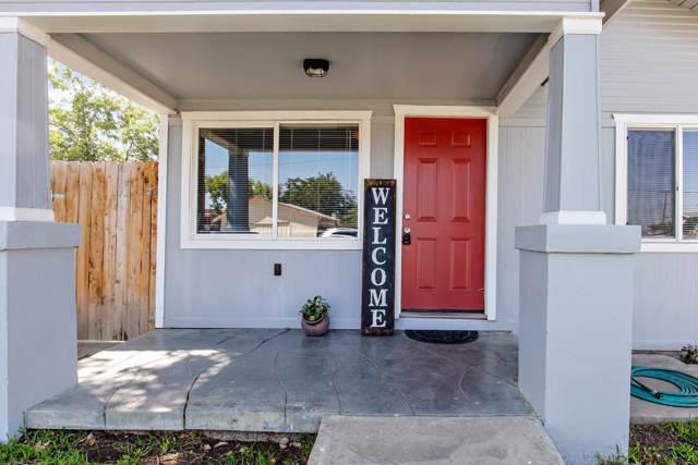 535 W Owens Avenue, Tulare, CA 93274 (#200026) :: The Jillian Bos Team