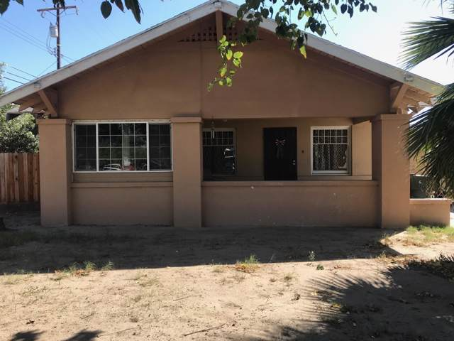 1241 N Brown Street, Hanford, CA 93230 (#200397) :: Martinez Team