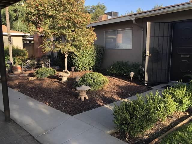 605 E Willow Court, Tulare, CA 93274 (#200475) :: Martinez Team