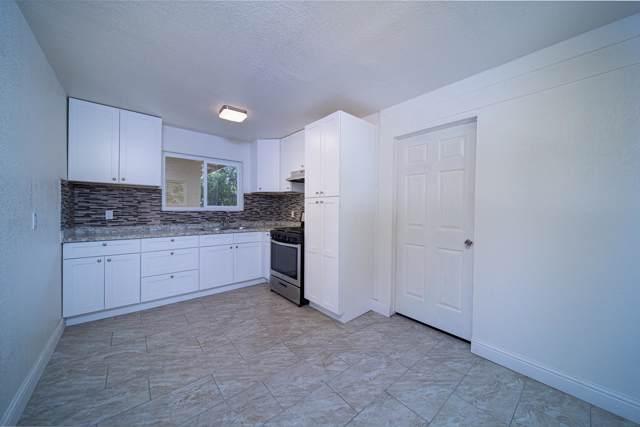 1020 N Gowdy Street, Visalia, CA 93292 (#200477) :: Robyn Icenhower & Associates