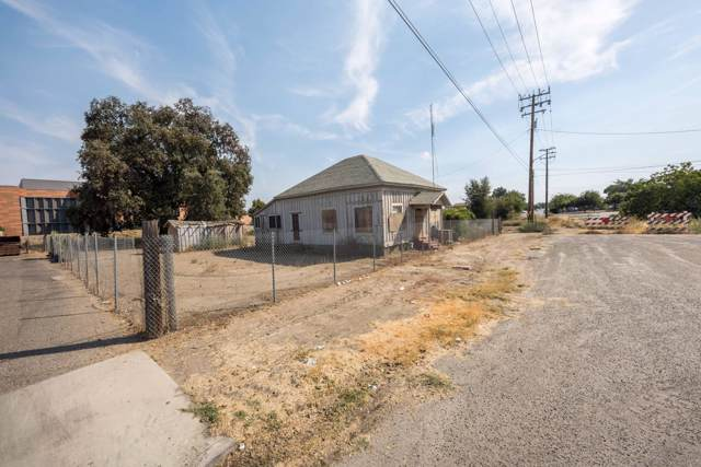 44 N 4th Street, Porterville, CA 93257 (#200937) :: Martinez Team