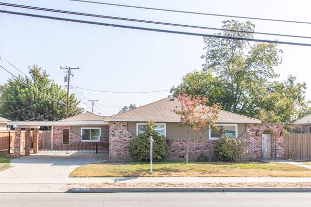 1927 N Douty Street, Hanford, CA 93230 (#200976) :: Martinez Team