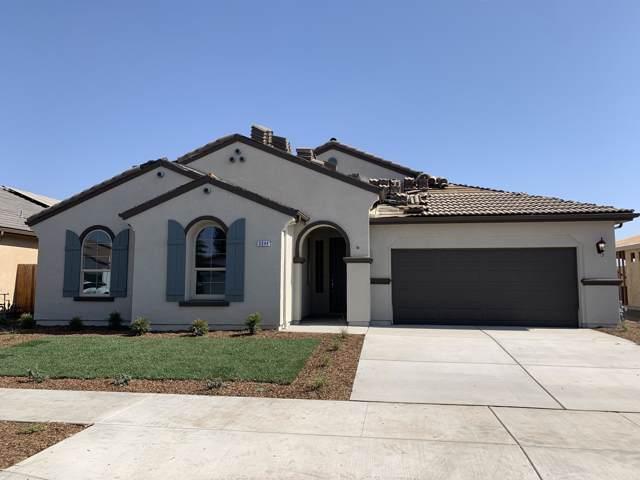 3344 S Meadowbrook Street S, Visalia, CA 93292 (#200977) :: Martinez Team