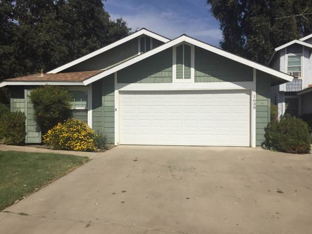 1638 E Sunnyview Avenue, Visalia, CA 93292 (#200979) :: The Jillian Bos Team
