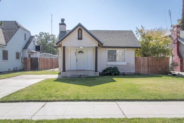 683 E Kern Avenue, Tulare, CA 93274 (#201036) :: Robyn Icenhower & Associates