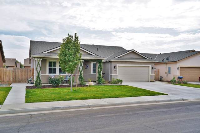 1341 W Willis Court, Hanford, CA 93230 (#201099) :: The Jillian Bos Team