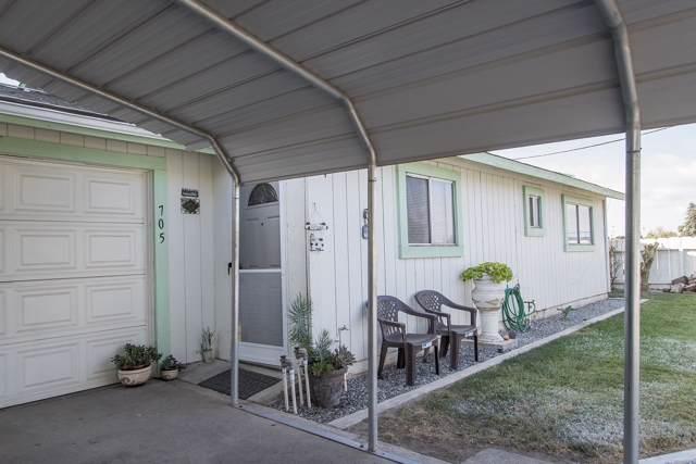 705 S Spruce Street, Tulare, CA 93274 (#201146) :: The Jillian Bos Team