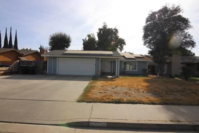 4721 W College Avenue, Visalia, CA 93277 (#201642) :: Martinez Team