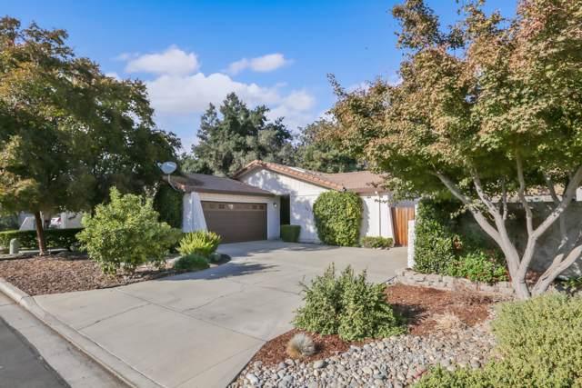 1838 S Royal Oaks Drive, Visalia, CA 93277 (#201808) :: Martinez Team