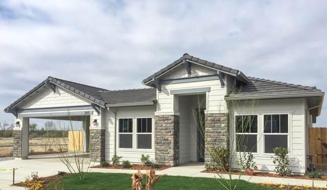 325 S Mathew Street, Porterville, CA 93257 (#202102) :: Martinez Team